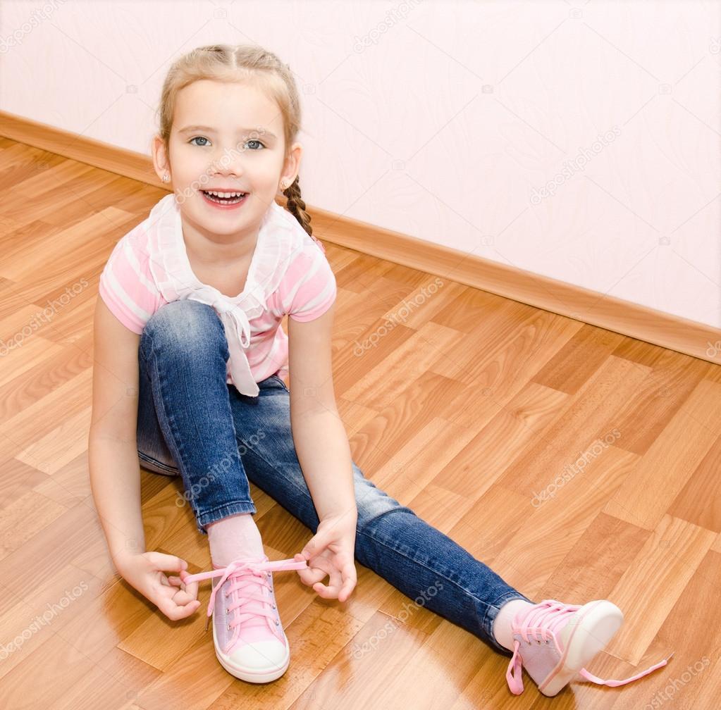 ее обувь: