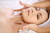 Asian Woman Get Facial Massage — Stock Photo