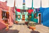 Colorful street in Burano, Venice, Italy — Stock Photo