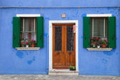 Door in painted house in Burano island, Venice, Italy, — Stock Photo
