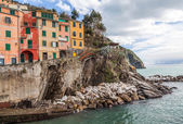 Riomaggiore fisherman village, Cinque Terre, Italy — Stock Photo