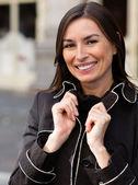 Mulher feliz ao ar livre — Fotografia Stock