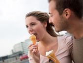 Couple enjoying an ice cream — Stock Photo