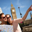 Summer tourists in London — Stock Photo