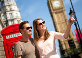 ζευγάρι στο λονδίνο — Φωτογραφία Αρχείου