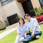 Couple looking very happy — Stock Photo