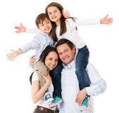 ευτυχισμένη οικογένεια γιορτάζει — Φωτογραφία Αρχείου
