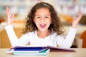 Opgewonden school meisje — Stockfoto