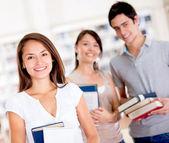 Gruppe von college-studenten-gruppe von college-studenten — Stockfoto