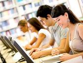 öğrenciler grup ict ict öğrenci grubu — Stok fotoğraf