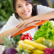 Healthy woman shopping Healthy woman shopping — Stok fotoğraf