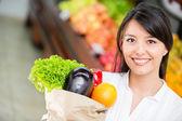 Latijns-vrouw latijns-vrouw winkelen winkelen — Stockfoto