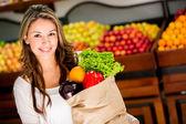 Kvinna matinköp kvinna matinköp — Stockfoto