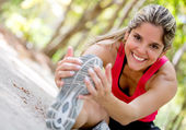 Donna felice esercizio felice donna esercitando — Foto Stock