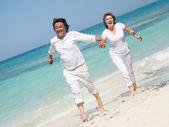 Schönes paar am strand schöne paar am strand — Stockfoto