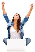 επιτυχημένη γυναίκα online επιτυχημένη γυναίκα σε απευθείας σύνδεση — Φωτογραφία Αρχείου