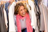 兴奋的购物女人 — 图库照片