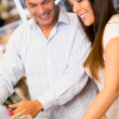 Couple shopping — Stockfoto #22977034
