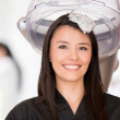 Woman in a beauty salon — Stockfoto