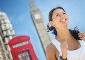 Woman running the London marathon — Stock Photo