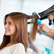 Woman at the hair salon — Stockfoto