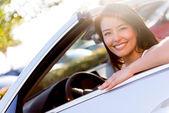 Vrouw besturen van een auto — Stockfoto
