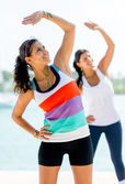 Women exercising outdoors — Stock Photo