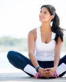 Promyšlené žena cvičení — Stock fotografie