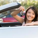 Woman holding car keys — Stock Photo #24848273