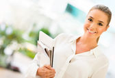 Business woman holding documents — Stock Photo