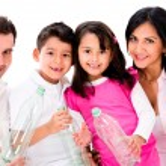 Family recycling — Stock Photo