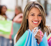 Dziewczyna zakupy w centrum handlowym — Zdjęcie stockowe