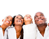 ευτυχισμένη οικογένεια κοιτώντας ψηλά — Φωτογραφία Αρχείου