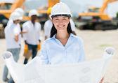 Architecte femelle sur un chantier de construction — Photo