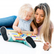 Mother teaching her daughter the abacus — Stock Photo