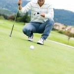 Человек, игра в гольф — Стоковое фото