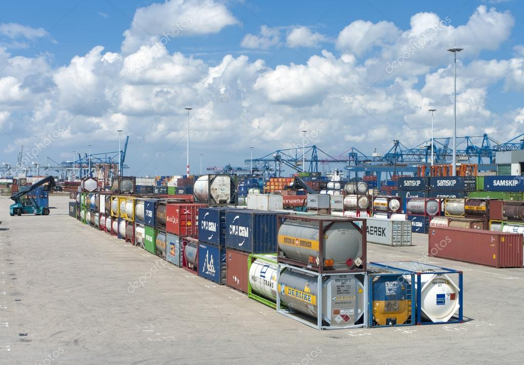 Area with chemical bulk tanks in the Rotterdam harbor area. From here they are shipped on trains — Stock Photo #13897531