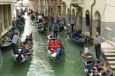 Tourists in venice, Italy — Stock Photo