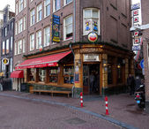 Old sailor pub in amsterdam — 图库照片