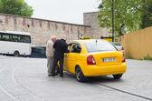 желтое такси — Стоковое фото