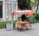 Vendor in istanbul — Stock Photo