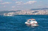 Boat on golden horn in Istanbul — Stockfoto