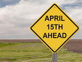 Precaución - el 15 de abril adelante — Foto de Stock