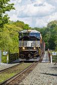 Crossing The Railroad Trestle — Stock Photo