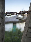 Traditional house from Danube Delta abandoned and locked — Stock Photo