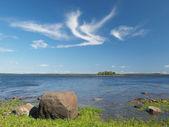 Beautiful sea, stones and sky — Stock Photo