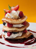 Pancake with raspberry — Stock Photo