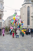 Balloon saleswomen on the street of Lviv — Stock Photo