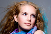 Close-up portrait of a young woman who dreams — Stock Photo