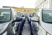 Nowy parking samochodowy — Zdjęcie stockowe